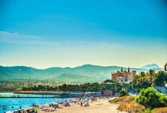 Book din sommerferie til Middelhavets paradis